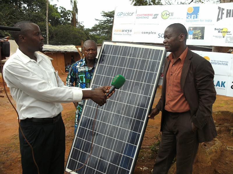 Go 100% Renewable Energy : Solar village in Bôtbadjang